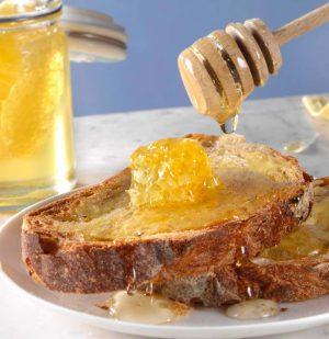 Μέλι Ακακίας με Κηρήθρα Cartwright and Butler Acacia Honey with Comb 300g
